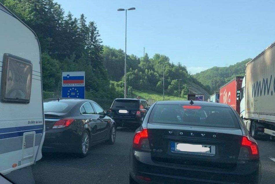 Ilustračný obrázok k článku Chorvátsko sprísnilo kontroly: Na hraniciach sa môžete zdržať aj niekoľko hodín