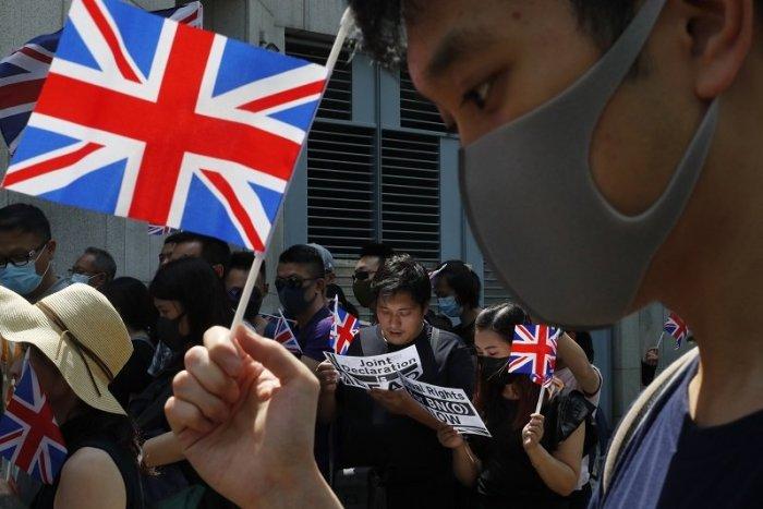 Ilustračný obrázok k článku Británia upúšťa od covid passov, k vírusu chce pristupovať ako ku CHRÍPKE