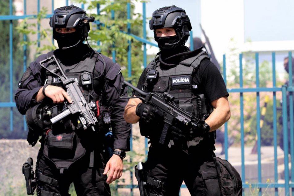 Ilustračný obrázok k článku Polícia zadržala obchodníkov so zbraňami: Boli členmi medzinárodného gangu