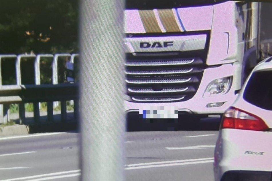 Ilustračný obrázok k článku Maďarský kamionista skončil v cele: Môže za to jeho jazda v Ráztočne, FOTO