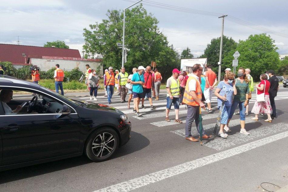 Ilustračný obrázok k článku V Bystrici sa chystá protest: Vodiči POZOR, treba rátať so značným zdržaním