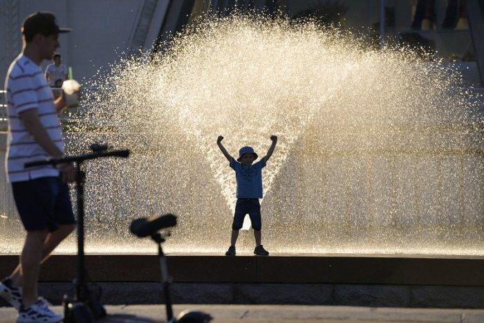 Ilustračný obrázok k článku Opäť udrú EXTRÉMY: Rúti sa k nám vlna tropických horúčav. TOTO bude najhorúcejší deň!