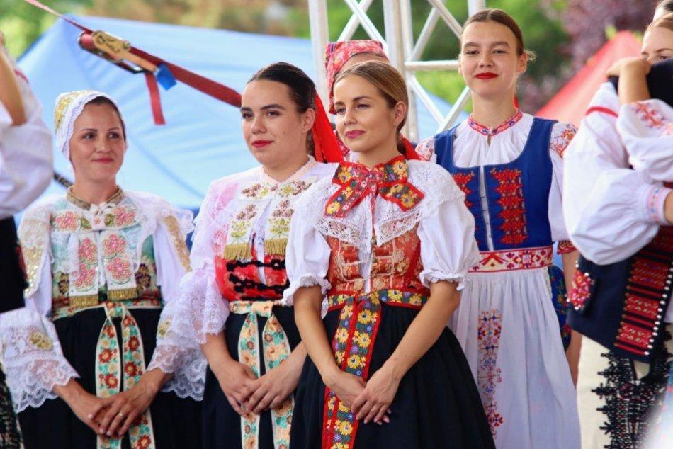 Ilustračný obrázok k článku Záver augusta bude patriť folklóru: Necháte sa zlákať na krojované slávnosti?