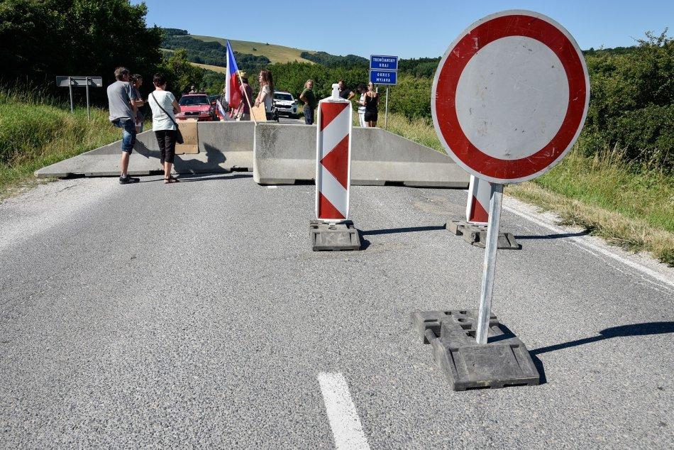 Ilustračný obrázok k článku Pomohli protesty? Slovensko otvorí všetky hraničné priechody s Českom
