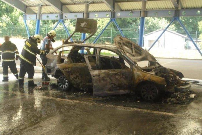 Ilustračný obrázok k článku Požiar na hraničnom priechode: Ukrajinec podpálil auto a zmizol! FOTO