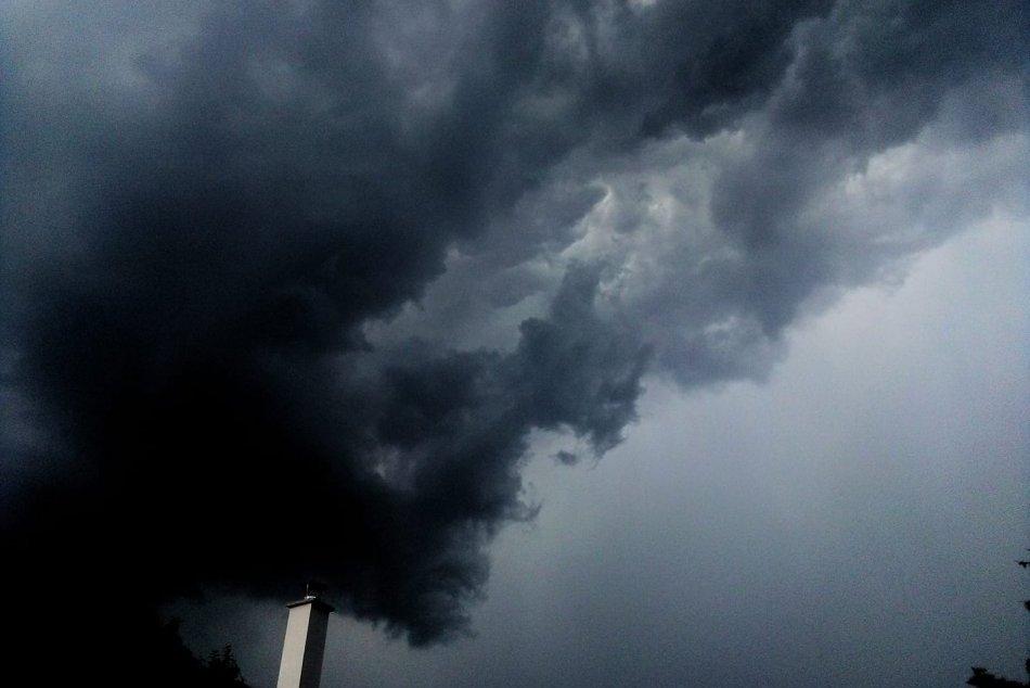Ilustračný obrázok k článku MIMORIADNE: Búrky v Česku opäť ZABÍJAJÚ! Usmrtili dvoch ľudí a zranili dve deti