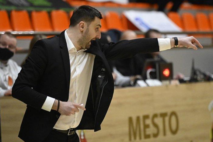 Ilustračný obrázok k článku MBK Baník Handlová vyriešil trénerskú otázku: Ako bude Rakočevič skladať káder?