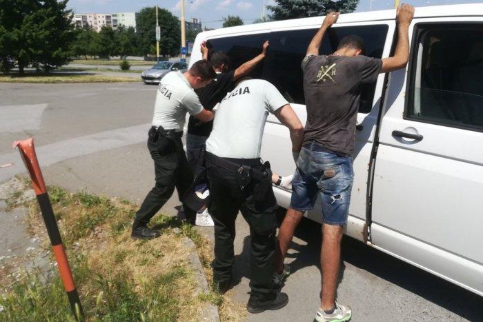 Ilustračný obrázok k článku V Prešove zadržali 2 cudzincov: Prekvapí vás, odkiaľ vyskočili