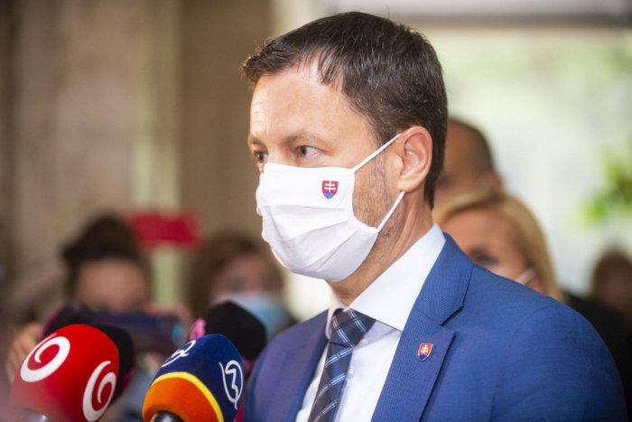 Ilustračný obrázok k článku Premiér je zhrozený: Útoky na lekárov a epidemiológov považuje za neprípustné