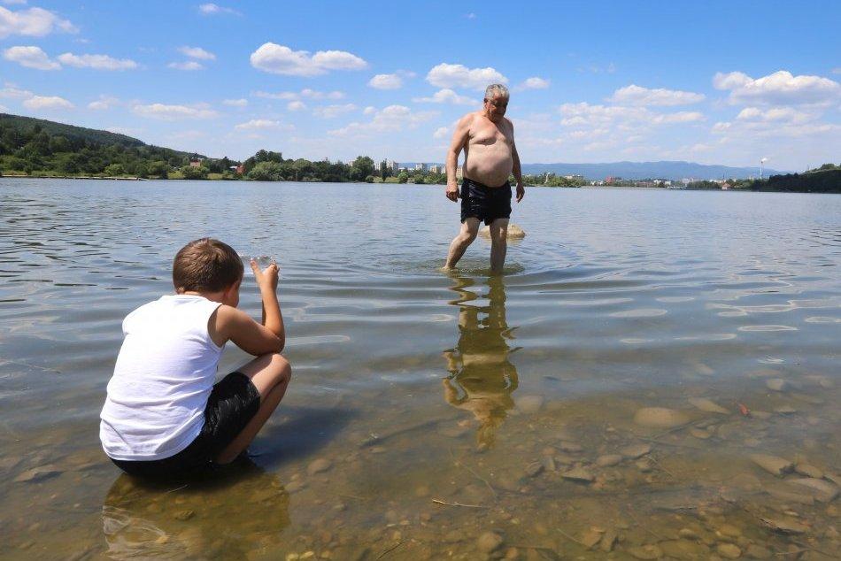 Ilustračný obrázok k článku Zvolenčania sa vynašli aj bez kúpaliska: Schladenie hľadajú v priehrade aj v Slatine, FOTO