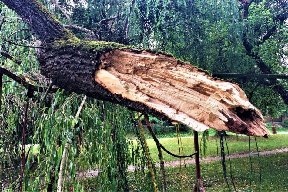 Ilustračný obrázok k článku Na niektoré miesta ostal smutný pohľad: Liptov a Horehronie rátajú škody po veternej smršti