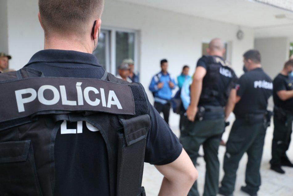 Ilustračný obrázok k článku Veľká razia v Piešťanoch a okolí: Na nohách sú desiatky policajtov, FOTO
