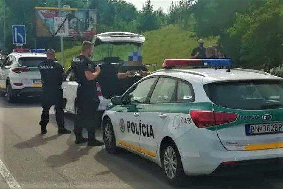 Ilustračný obrázok k článku Zdrogovaný vodič jazdil po Trenčíne na ukradnutom aute: A to nie je všetko! FOTO