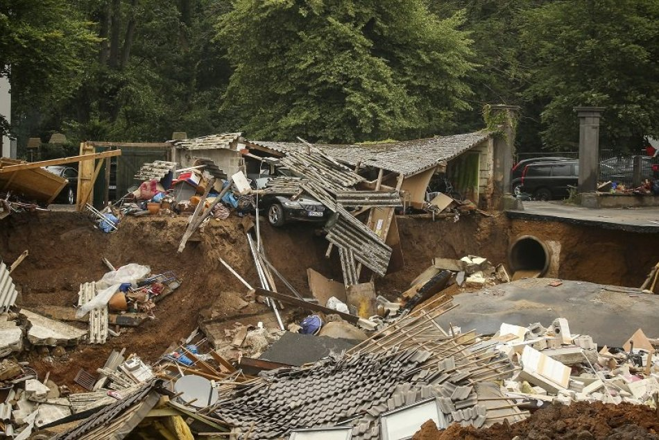 Ilustračný obrázok k článku Tornádo, záplavy, požiare: Počasie v lete potrápilo Európu, čo čaká Slovensko na jeseň?