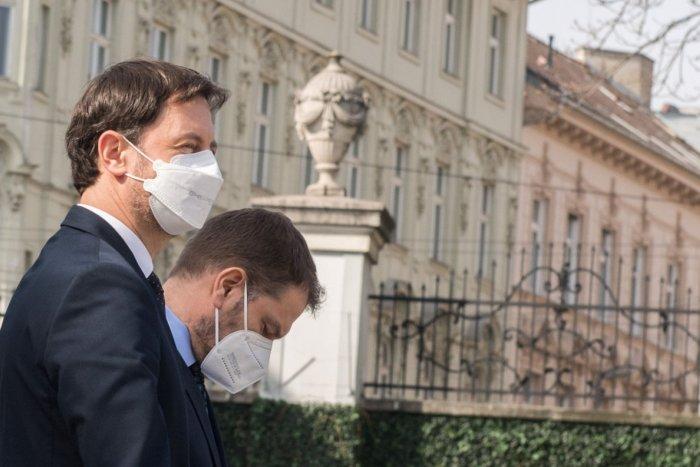 Ilustračný obrázok k článku Matovič plánoval vydávať vládne noviny: VEĽAVRAVNÝ postoj premiéra Hegera!