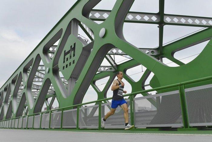 Ilustračný obrázok k článku Po Starom moste budú jazdiť aj AUTOBUSY MHD. Nie však každý deň