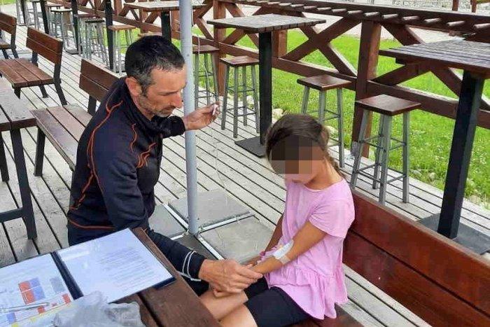 Ilustračný obrázok k článku Záchranári ratovali dieťa v Jasnej: Sedemročné dievčatko kolabovalo