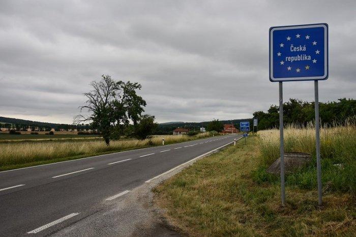 Ilustračný obrázok k článku Slovensko je pre Česko síce ZELENÉ, po novom majú na hraniciach povinnosti VŠETCI