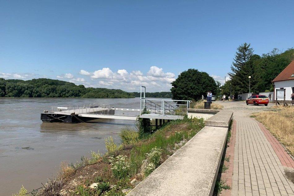Ilustračný obrázok k článku FOTO: Hladinu Dunaja v Devíne monitorujú aj hasiči.  Voda je čoraz VYŠŠIE!