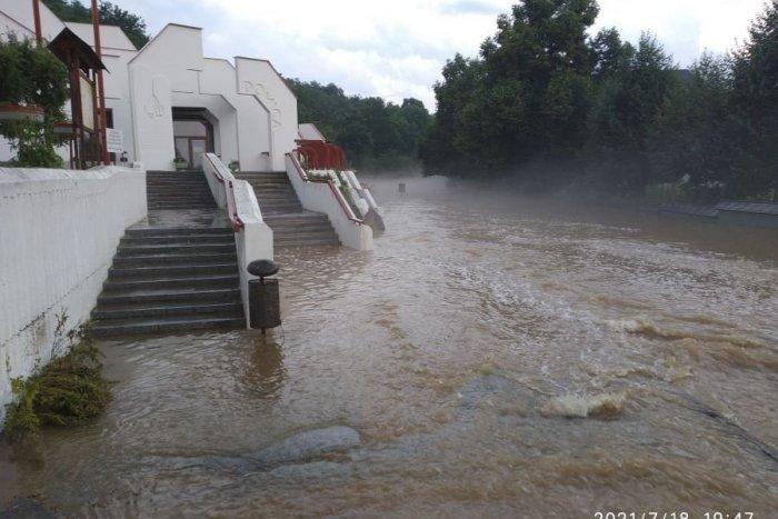 Ilustračný obrázok k článku Voda narobila obrovské škody vDomici: Poškodený je aj symbol jaskyne! FOTO