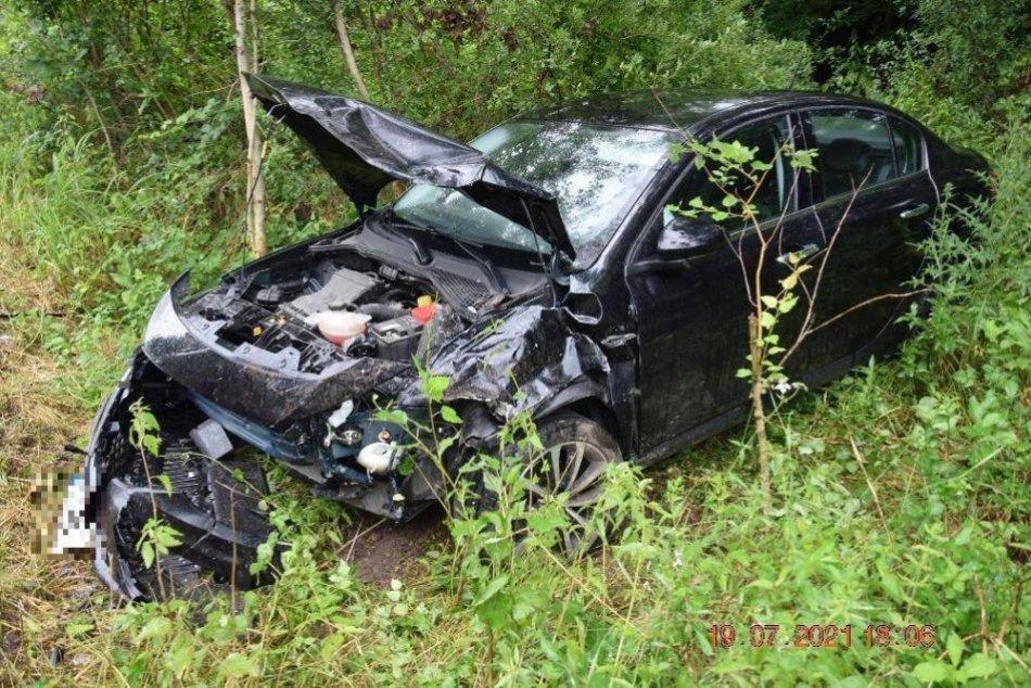 Ilustračný obrázok k článku Na mokrej ceste pri Lučenci došlo k nehode: Jednu osobu previezli do nemocnice, FOTO