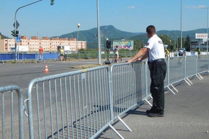Ilustračný obrázok k článku Žiarom presviští pelotón, a nie obyčajný: Sily si na dvoch kolesách zmerajú policajti