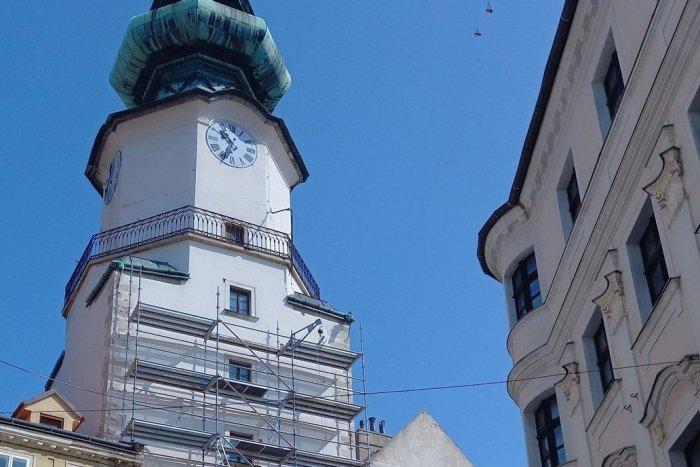 Ilustračný obrázok k článku MICHALSKÁ veža je pod lešením. STREĽBOU zničený zvon odlejú nanovo