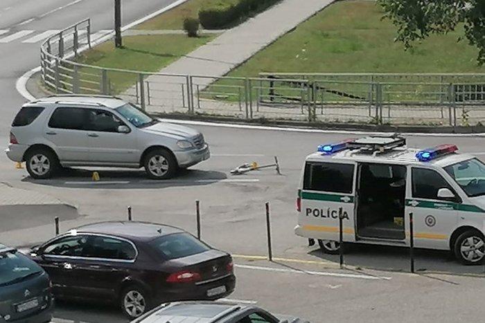 Ilustračný obrázok k článku Nehoda v Považskej Bystrici: Auto zrazilo kolobežkára, pri páde utrpel zranenia