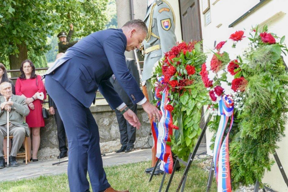 Ilustračný obrázok k článku Ministri Naď a Mikulec vzdali hold Štefánikovi: Je to slovenský hrdina! FOTO