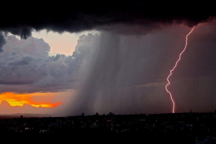 Ilustračný obrázok k článku Európu čakajú EXTRÉMNE búrky! Do konca storočia sa môžu vyskytovať až 14-krát častejšie