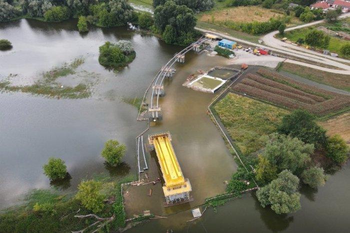Ilustračný obrázok k článku Bociania lávka či Most nádeje. Aj takto by sa mohol volať nový cyklomost cez Moravu