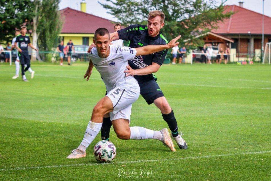 Ilustračný obrázok k článku Nitra uspela v predkole Slovenského pohára: Kapitán strelil päť gólov, FOTO