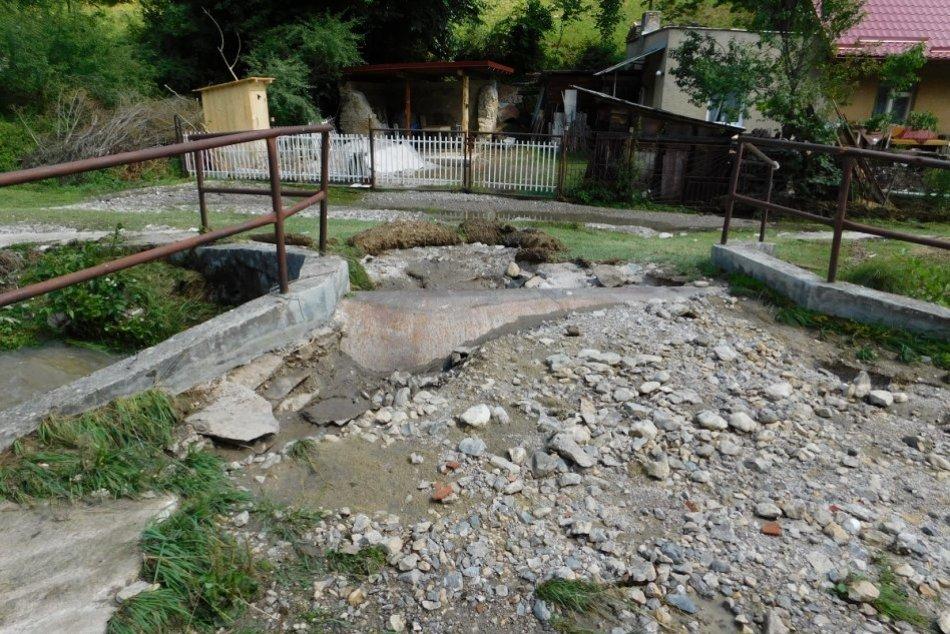 Ilustračný obrázok k článku Valaská Belá o okamihoch HRÔZY: Spúšť v obci, cesta skončila v potoku, FOTO