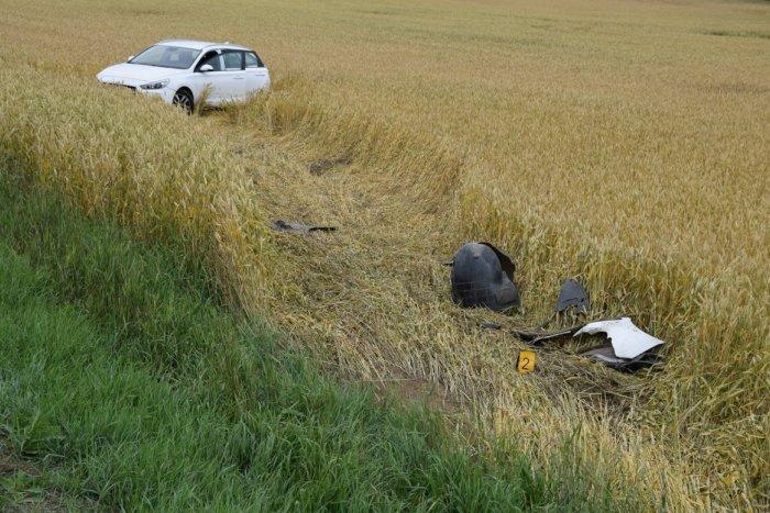 Ilustračný obrázok k článku Kuriózna nehoda pri Poprade: Opitý vodič skončil v poli, v aute si dal rovno šlofíka