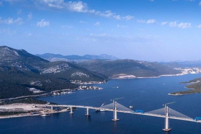 Ilustračný obrázok k článku Historický okamih pre Chorvátsko: Most spojil pobrežie a uľahčí cestovanie, FOTO a VIDEO
