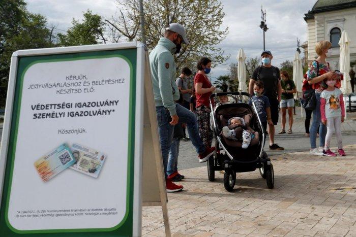 Ilustračný obrázok k článku V Maďarsku dali nezaočkovaných na vedľajšiu koľaj: Za testy si budú musieť platiť!