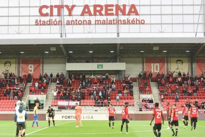 Ilustračný obrázok k článku Skalní fanúšikovia Spartaka majú zákaz vstupu na štadión: Neuveríte, kto ich NAHRADÍ!