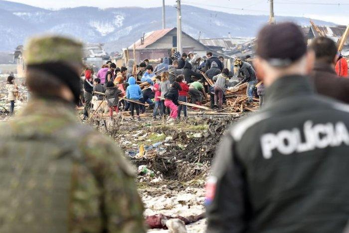 Ilustračný obrázok k článku SVET O SLOVENSKU: Cielené testovanie Rómov na Slovensku je škandál!