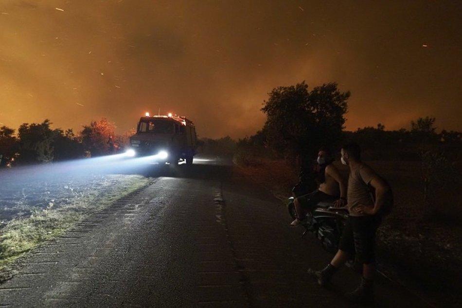 Ilustračný obrázok k článku Slovenskí hasiči pomáhajú Grécku v boji proti lesným požiarom