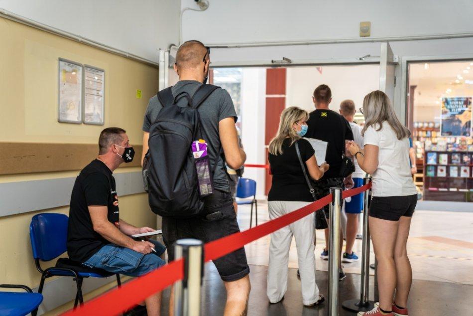 Ilustračný obrázok k článku Víkendové očkovanie sa blíži: Na ZOZNAME sú opäť aj hypermarkety v Trnavskom kraji
