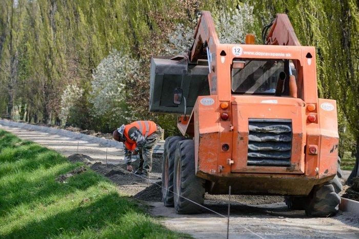 Ilustračný obrázok k článku Budovanie trasy medzi Žiarom a Lutilou pokračuje: Nebude to cyklochodník, vysvetľuje primátor
