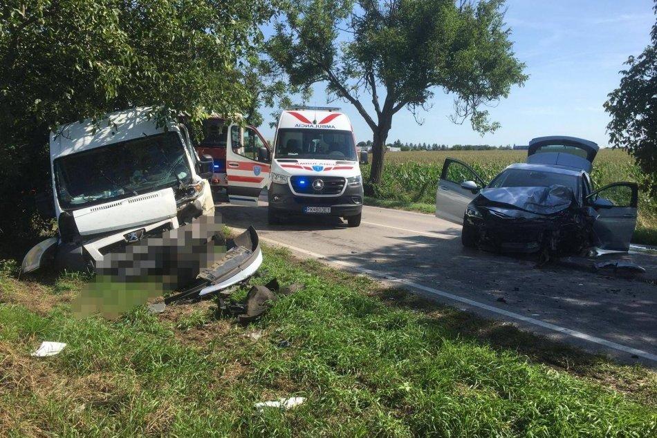 Ilustračný obrázok k článku Neďaleko Piešťan došlo k čelnej zrážke áut: Hlásia zranených, FOTO