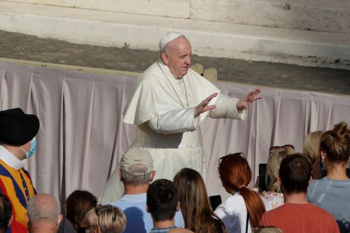 Ilustračný obrázok k článku Zo zákulisia pápežovej OCHRANKY: Dávajú pozor aj na to, aby sa Svätý Otec nepotkol