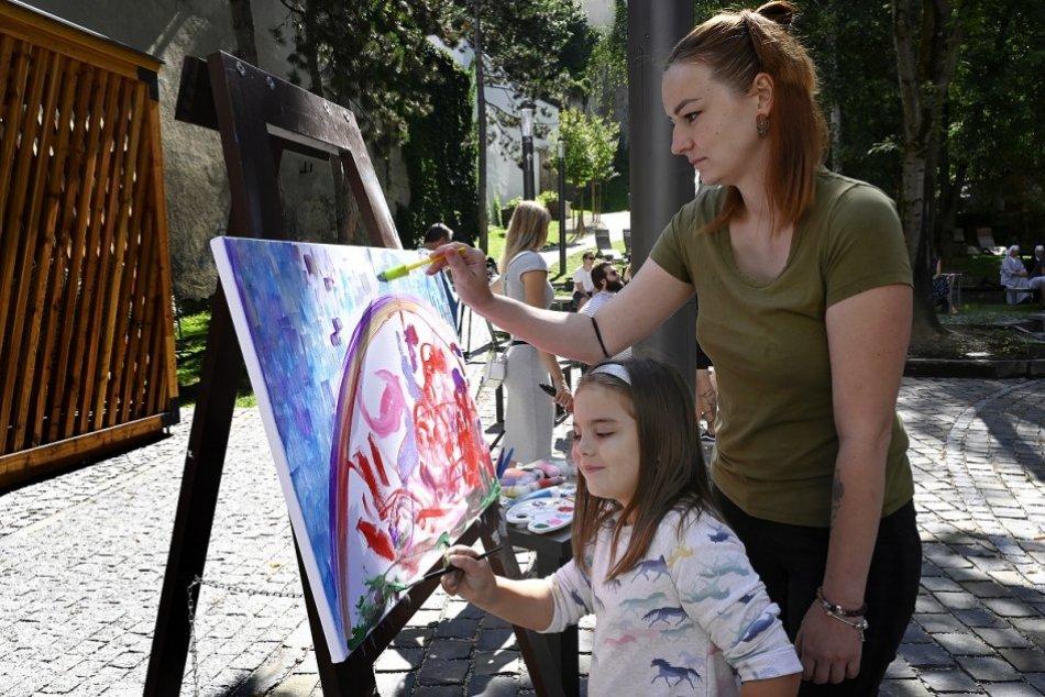 Ilustračný obrázok k článku Tvorivé dielne na Bojnickom zámku: Maľovať sa bude v romantickom krídle