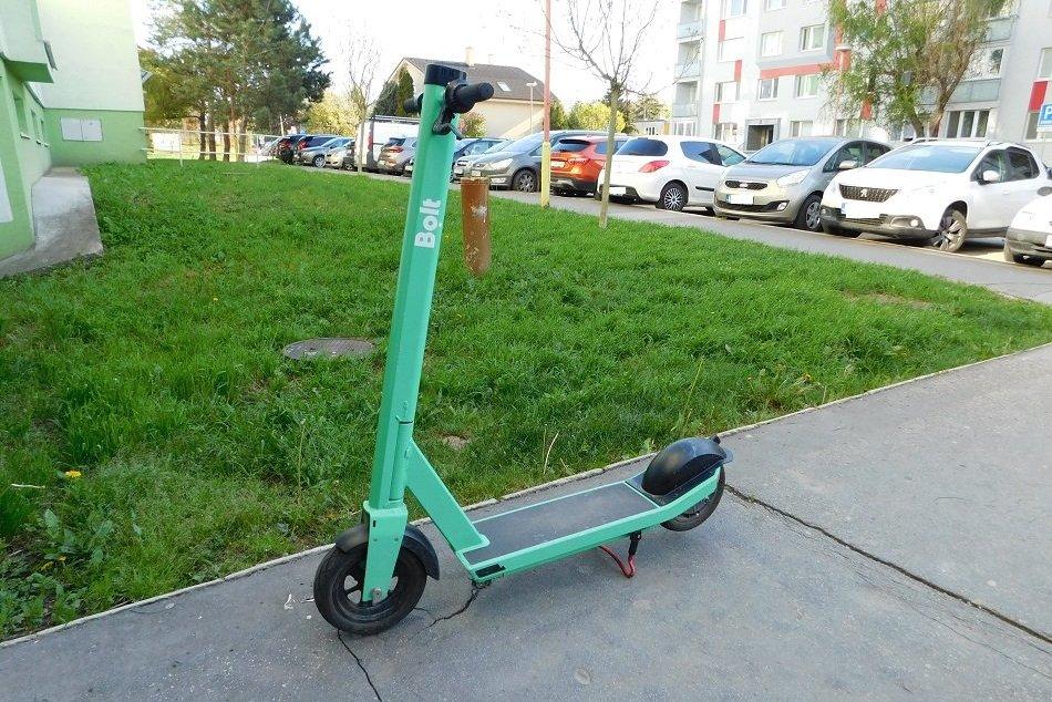 Ilustračný obrázok k článku V Prievidzi začali jazdiť elektrické KOLOBEŽKY: Kde majú obmedzenú rýchlosť?