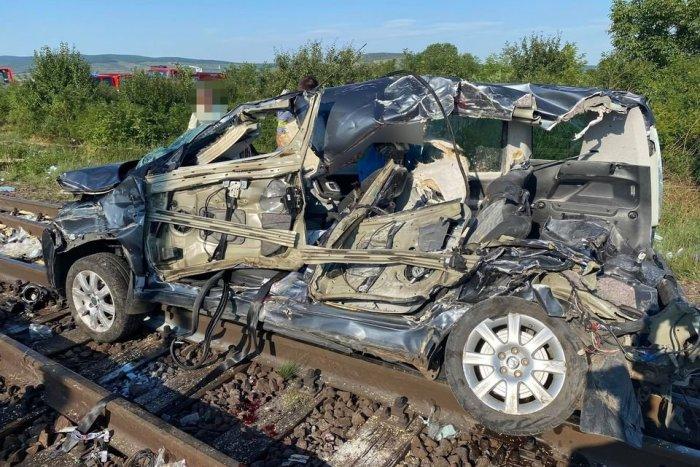 Ilustračný obrázok k článku Tragická nehoda na priecestí. Vyhasli pri nej dva životy