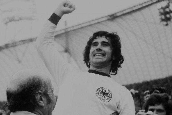 Ilustračný obrázok k článku Futbalový svet je v slzách: Do neba odišiel velikán a rekordér Gerd Müller