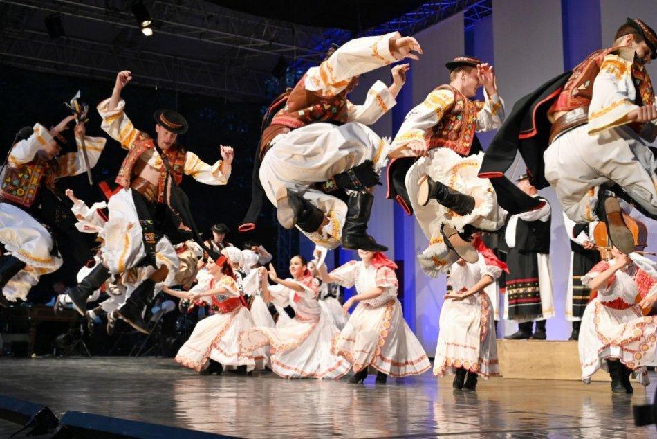 Ilustračný obrázok k článku Folklórny festival v Dubnici nad Váhom: V PROGRAME vystúpi aj Štefan Štec