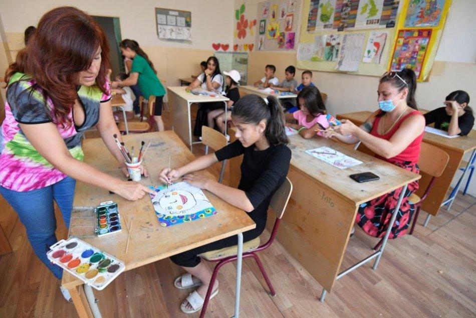 Ilustračný obrázok k článku O letnú školu je na Luníku IX veľký záujem: Prihlásilo sa 80 žiakov, FOTO