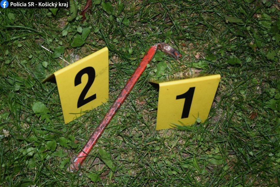 Ilustračný obrázok k článku Rýchly zásah rožňavských policajtov: Chlapca (15) chytili s tyčou v ruke! FOTO
